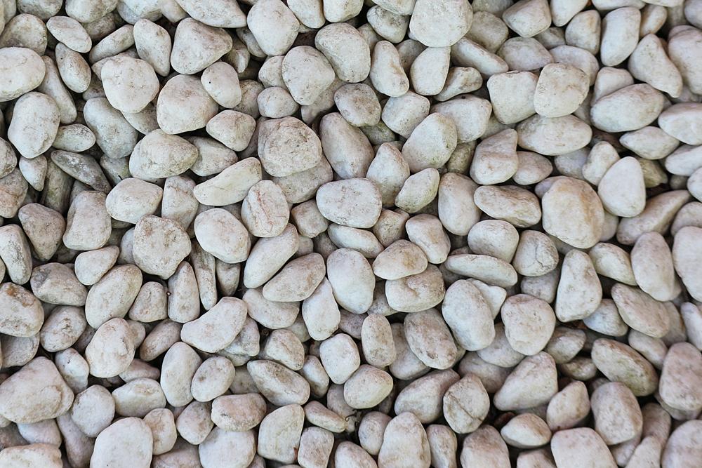 白い石礫のテクスチャ