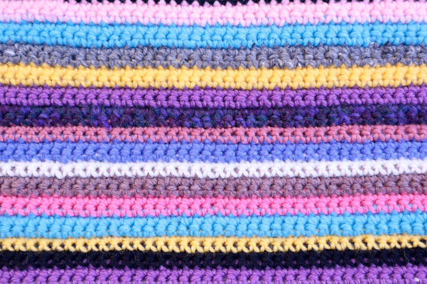 カラフルな編み物
